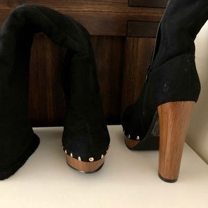 Shoes - Suede faux fur lined black boot